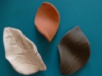 Dekoblatt 3 Stück aus Ton im Set Bunt, Schwarz, Terrakotta